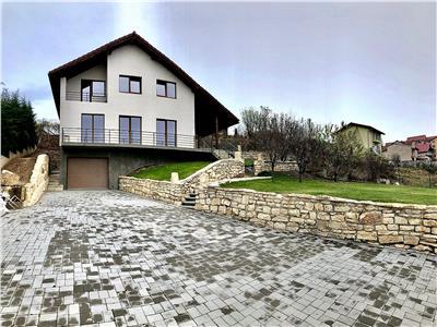 Vila 5 camere, 240 mp,terasa,curte,parcare,garaj,Lux, zona Europa